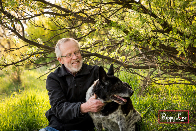 Lethbridge river bottom senior dog photos with family